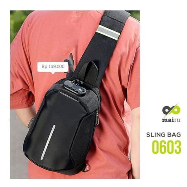 Mairu 0603 Tas Selempang Sling Bag Gembok Anti Maling With USB Port